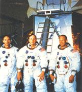 """""""阿波罗""""11号的机组成员"""
